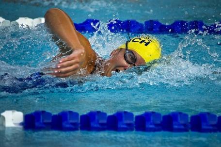sennik Pływanie w basenie - Sennik